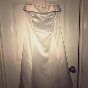 White, satin, zip up dress